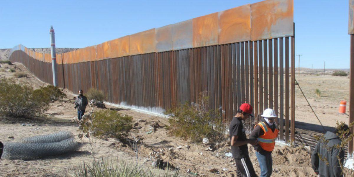 El 10% de compañías registradas para construcción de muro son de hispanos