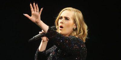 Así se oculta Adele de sus fanáticos en los recitales