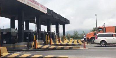 Vía Alóag - Santo Domingo se cerró nuevamente