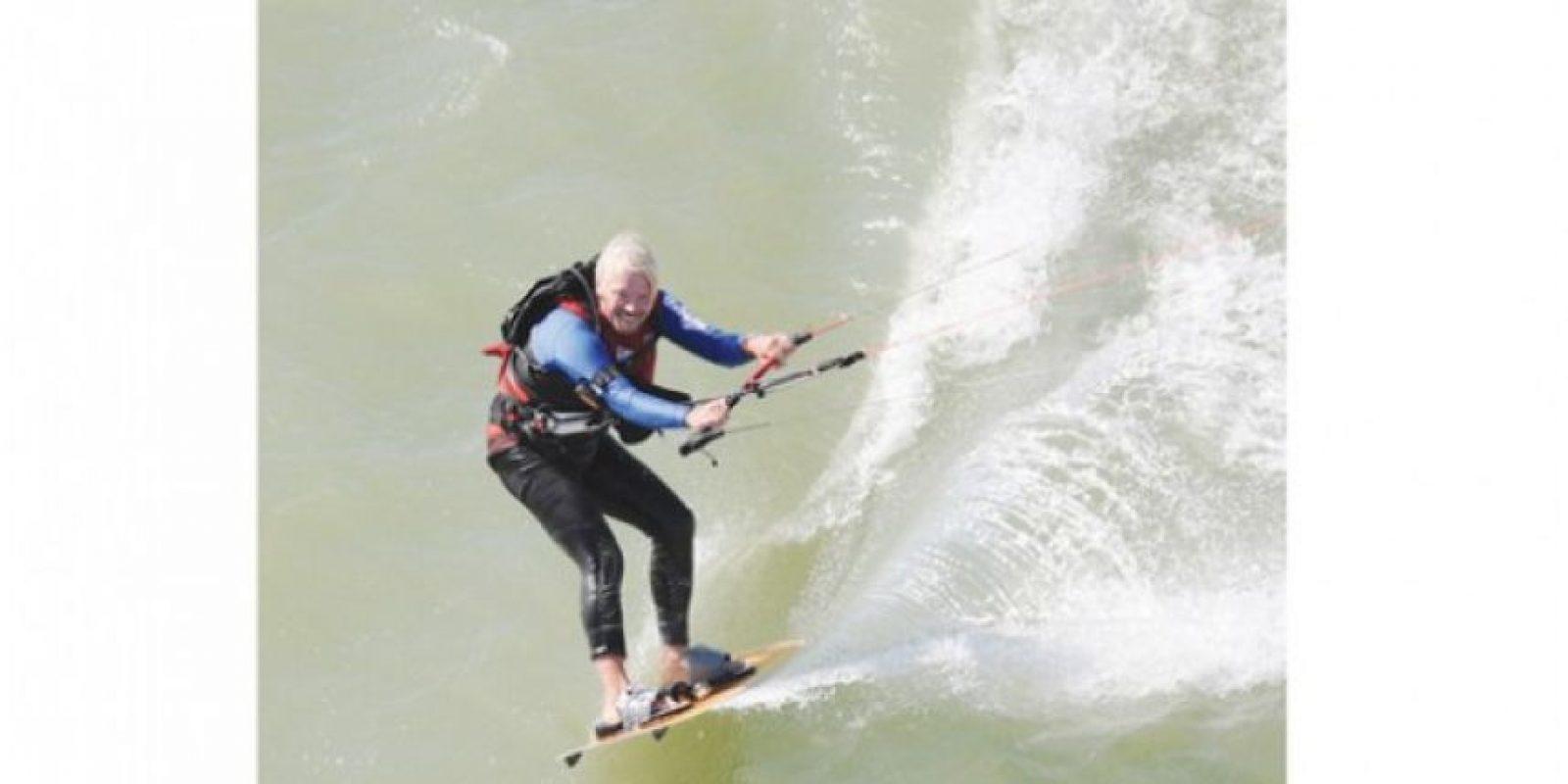 Ski Acuático. Campeón a nivel mundial. Sir Richard se convirtió en la persona con más edad en surfear el canal inglés. Publinews