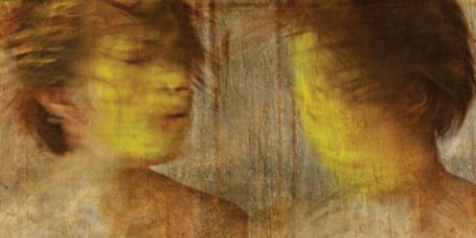 La artista les añade a sus fotografías algunos elementos orgánicos como resina, té y café, entre otros