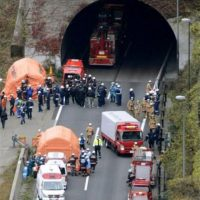 Colapsa túnel en Japón. Foto:AP