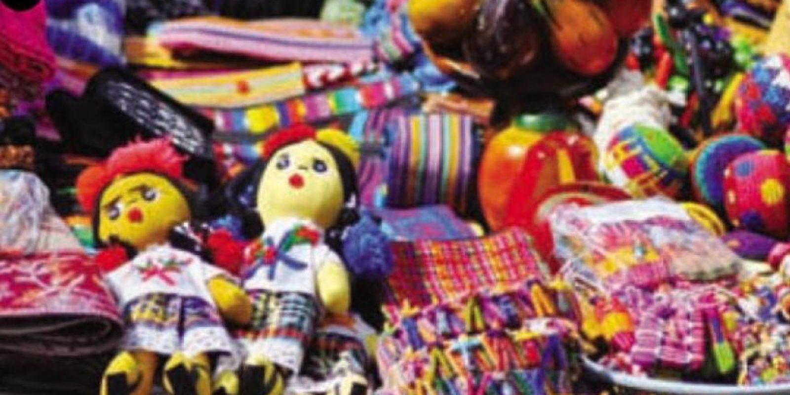 """1. Lo mejor de mi país: """"Acoíris pluricultural"""". """"El arcoíris pluricultural de Guatemala se refleja en el bello trabajo colorido de nuestra gente"""", según Sergio Castillo, quien propuso con su trabajo la creatividad de las manos chapinas, que conservan la identidad cultural de la nación, llena de colores propios de la tierra del quetzal."""