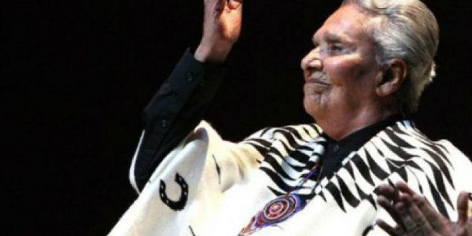 Chavela Vargas Tras varias semanas internada en Madrid y México, la cantante de rancheras de 93 años sucumbió a un paro cardiorrespiratorio el 5 de agosto. Foto:Getty Images