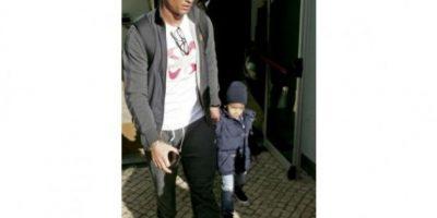 Cristiano Ronaldo pasea junto a su novia e hijo