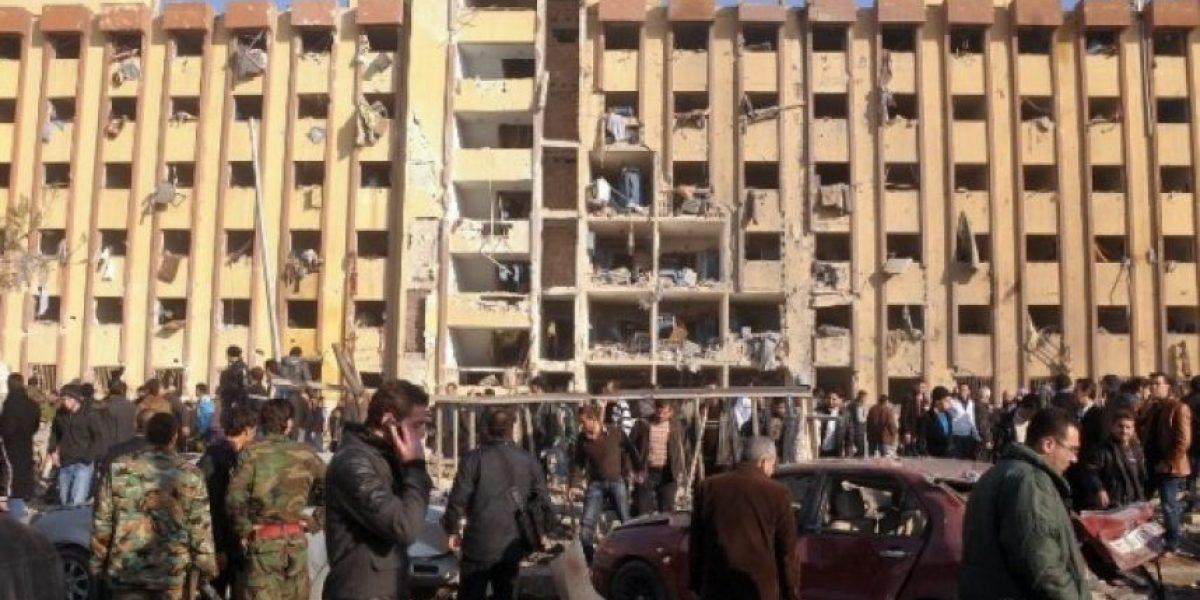 Mueren más 80 en ataques a universidad de Alepo