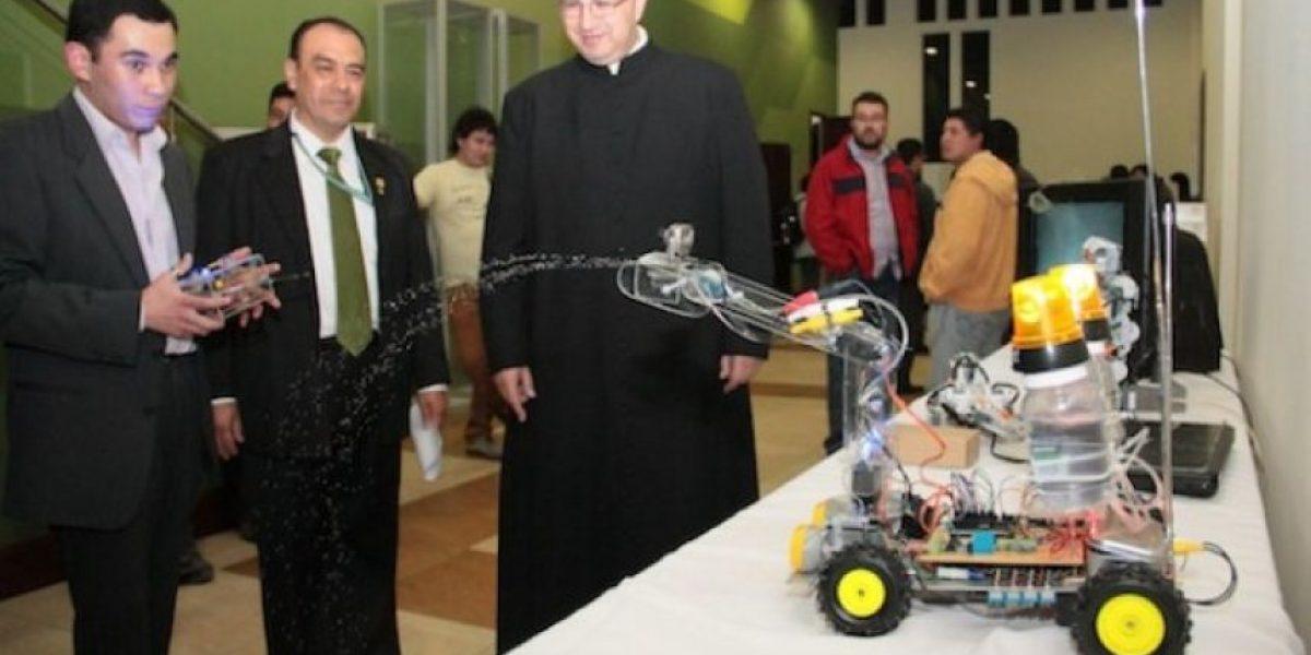 Estudiantes quetzaltecos desarrollan robots