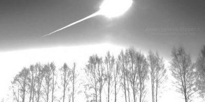 Surgen nuevas fotos del meteorito en Rusia