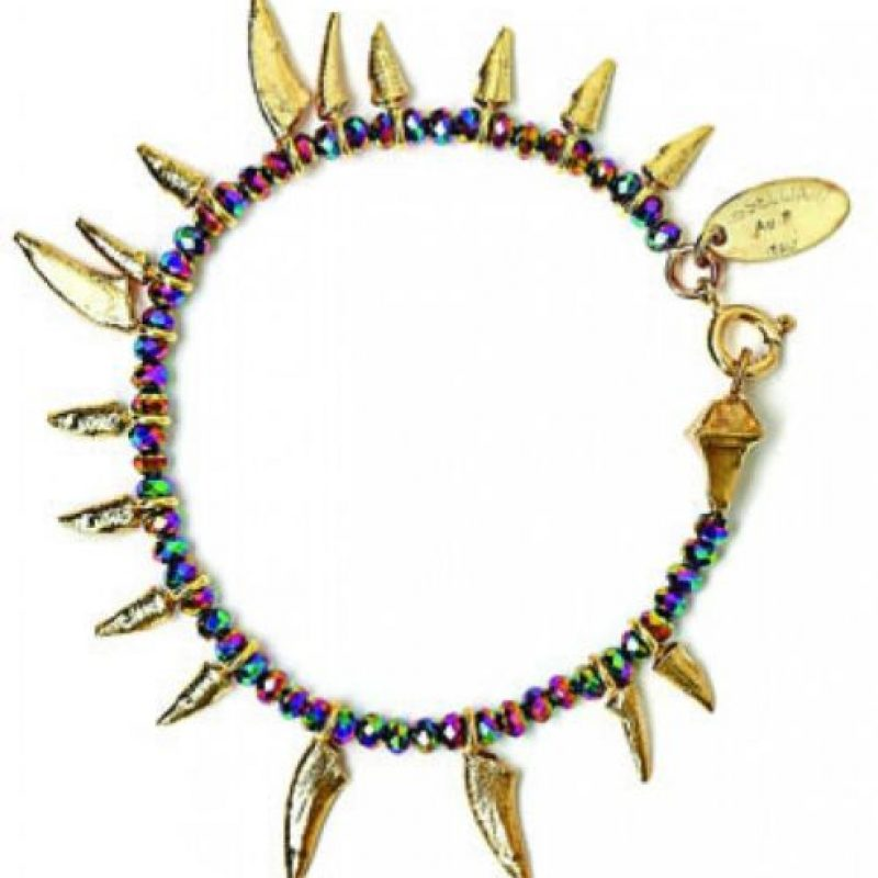 Losselliani Pulsera de oro con cuentas en forma de daga. US$212.85 www.mywardrobe.com