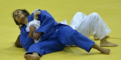 En combate contra una rival costarricense. Foto:Mynor Arita, enviado especial a San José
