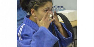 Evelyn Rodríguez no contuvo las lágrimas de la emoción. Foto:Mynor Arita, enviado especial