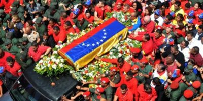 Venezolanos rinden último homenaje a Chávez