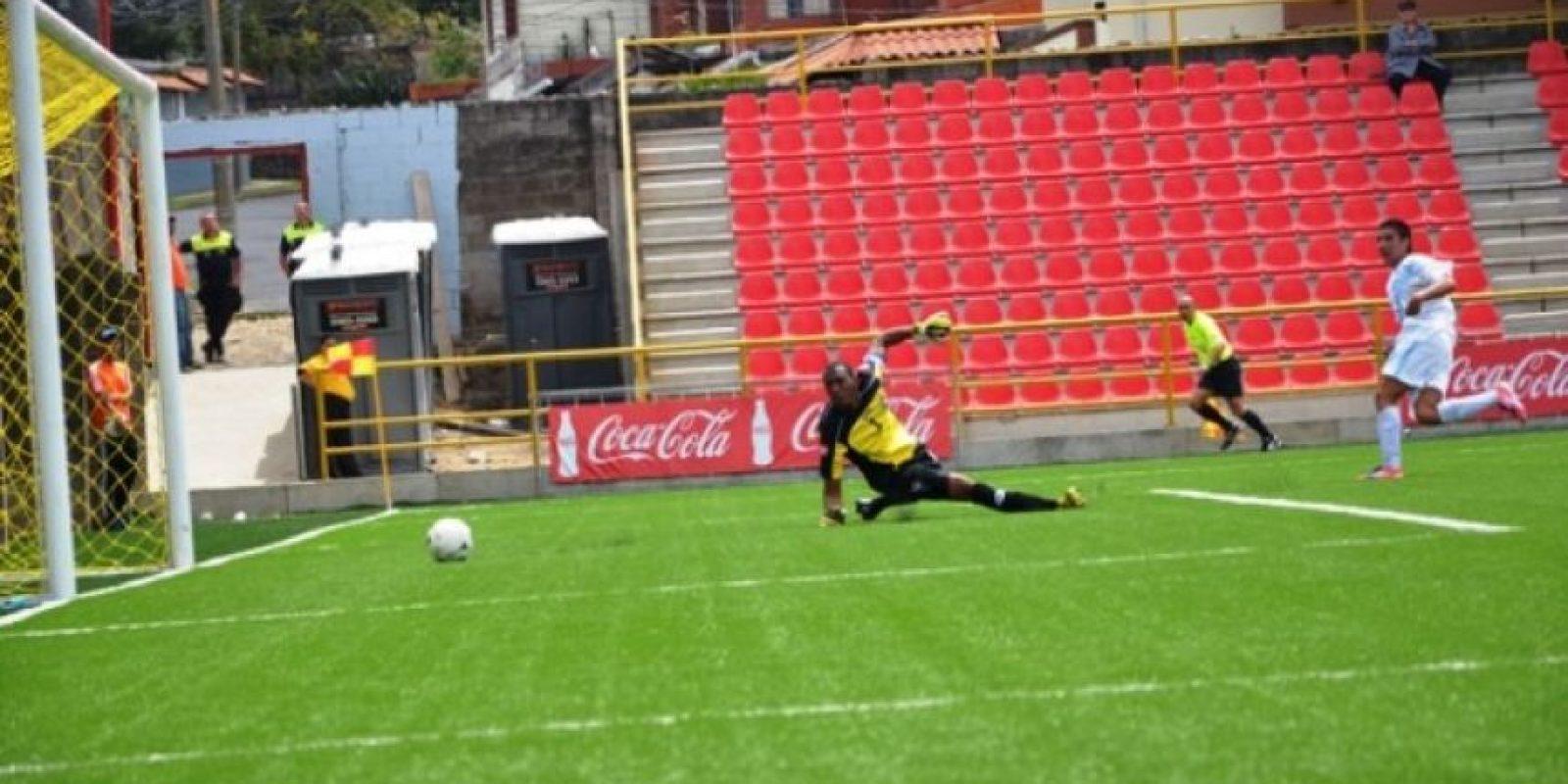 Brandon de León vence al portero panameño Iván Picart, para el único tanto de Guatemala frente a Panamá. Foto:Mynor Arita, enviado especial