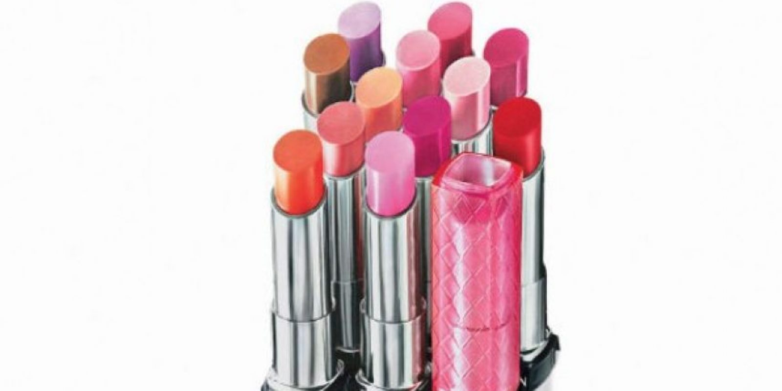 Protege tus labios del sol Tus labios también necesitarán de mucha humectación ahora que tu cuerpo enfrentará a las altas temperaturas. No dejes de darles brillo y color con los labiales de Revlon, Color Burst Lip Butter. publinews