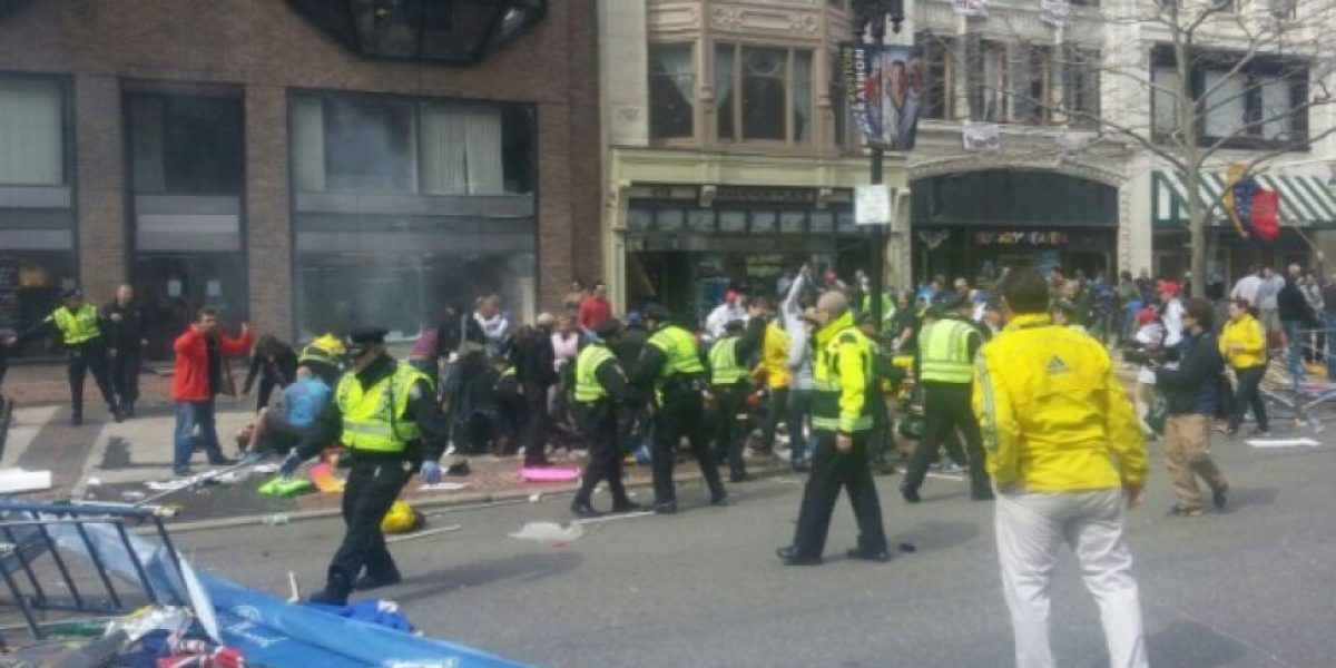 Mueren tres en explosiones en Maratón de Boston