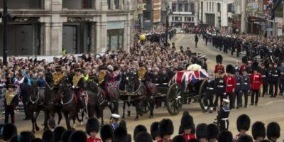 Miles despiden a Margaret Thatcher