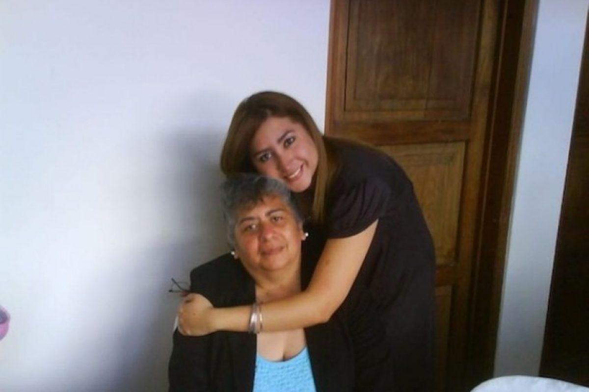 Hola Publinews!!! me encantaría saludar a mi mamá mi nombre es Sofi Benítez y mi mamá se llama Mildred Echeverría. El saludo: