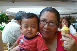 Mi nombre es Mauricio Victorio Mamá, gracias por el amor que me has dado desde que estuve en tu vientre y gracias por ahora empezar a amar a mi hijo!!!