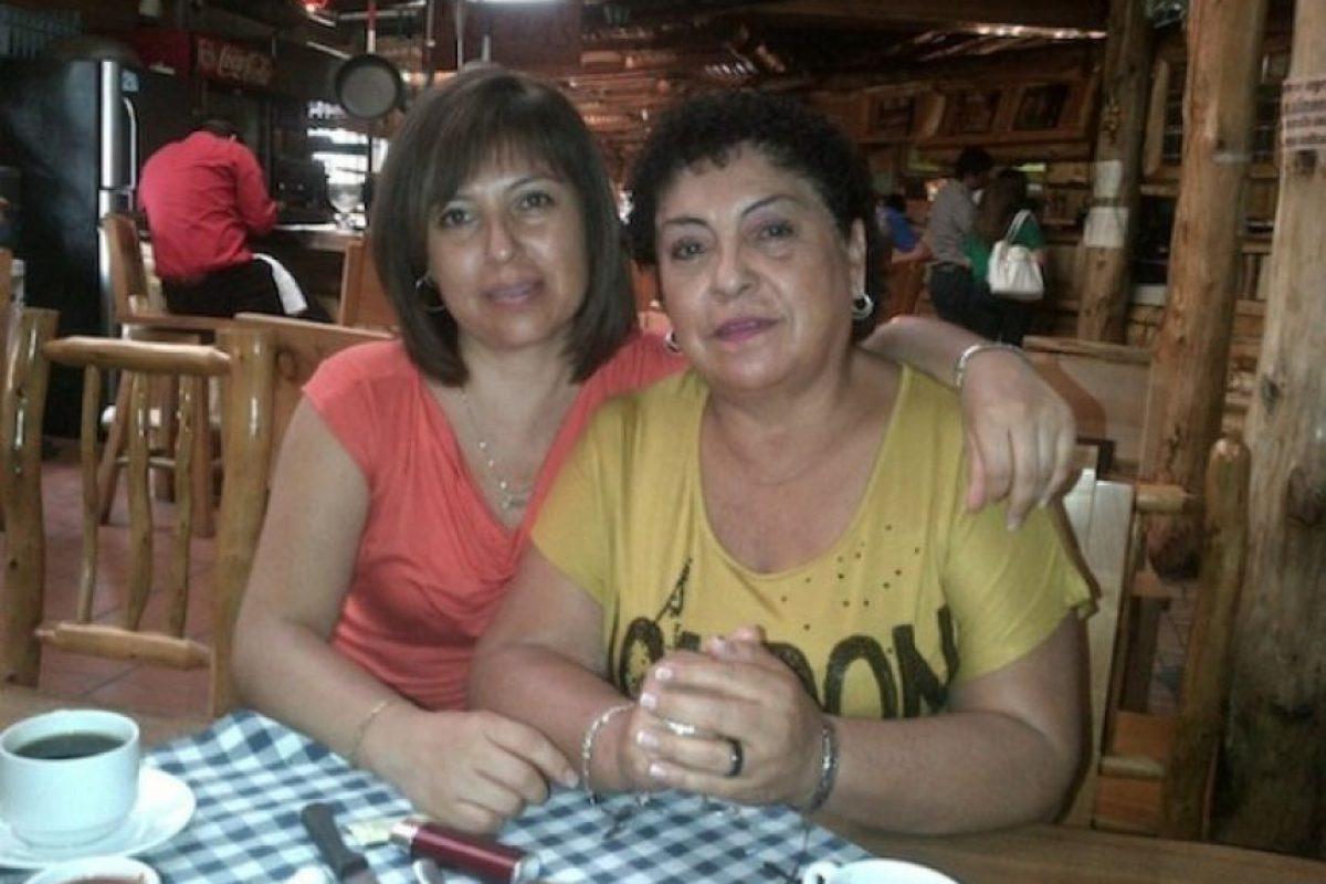 Foto con mi madre linda Mercedes Orozco
