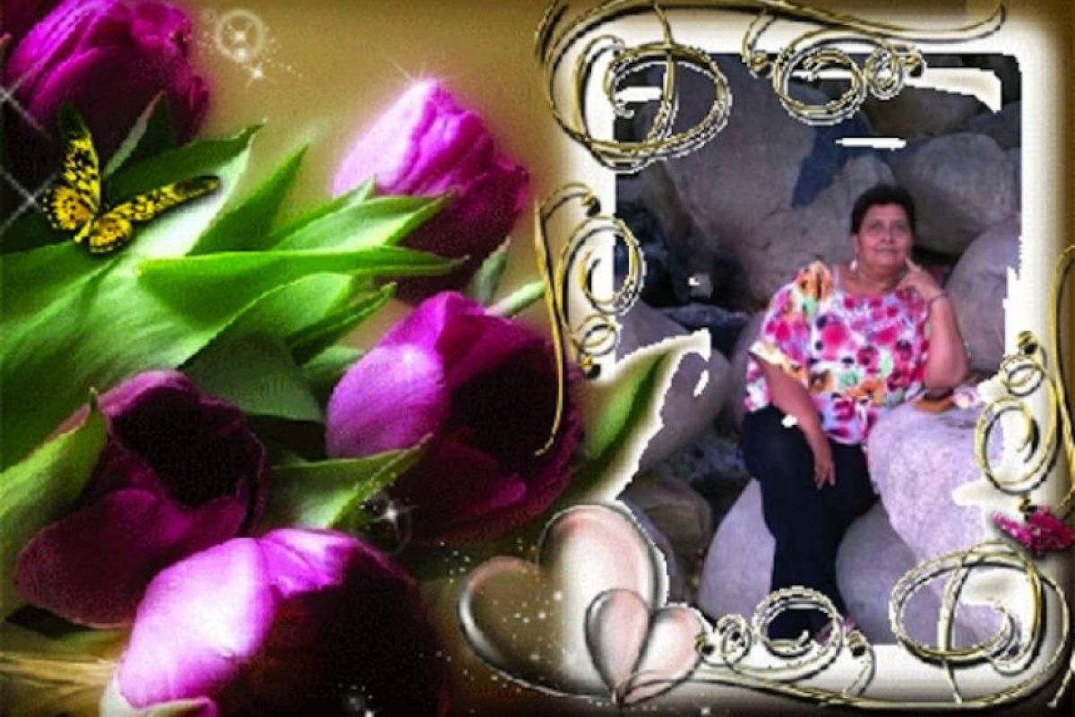 Hola, mi nombre es Sofía Cordón y quiero desearle un Feliz Día de las Madres a mi madrecita, Viula Cordón, y decirle q la Amo y estoy agradecida con ella por ser una Madre ejemplar y darnos amor como lo a hecho ella felicidades :)