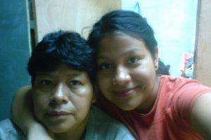 Hola amigos de Publi News les comparto esta foto de mi mama Paulina y Yo, quiero decirle que es una gran bendicion para mi vida y le agradezco a Dios por enviarme a ese angel llamado Mama….Te amo mucho mama… Gracias amigos, que tengan un excelente dia.