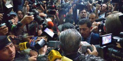 Un mar de periodistas, camarógrafos y fotoperiodistas nacionales e internacionales sitiaron al condenado. Foto:Juan José López Torres