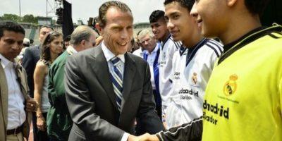 Butragueño inaugura escuela del Real Madrid en el país