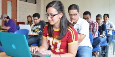 Estudiantes de maestría en Administración de Empresas. Foto:Juan José López Torres