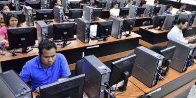 El centro de computación cuenta con varias terminales. Foto:Juan José López Torres