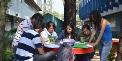 Posee suficientes espacios para la convivencia estudiantil. Foto:Juan José López Torres