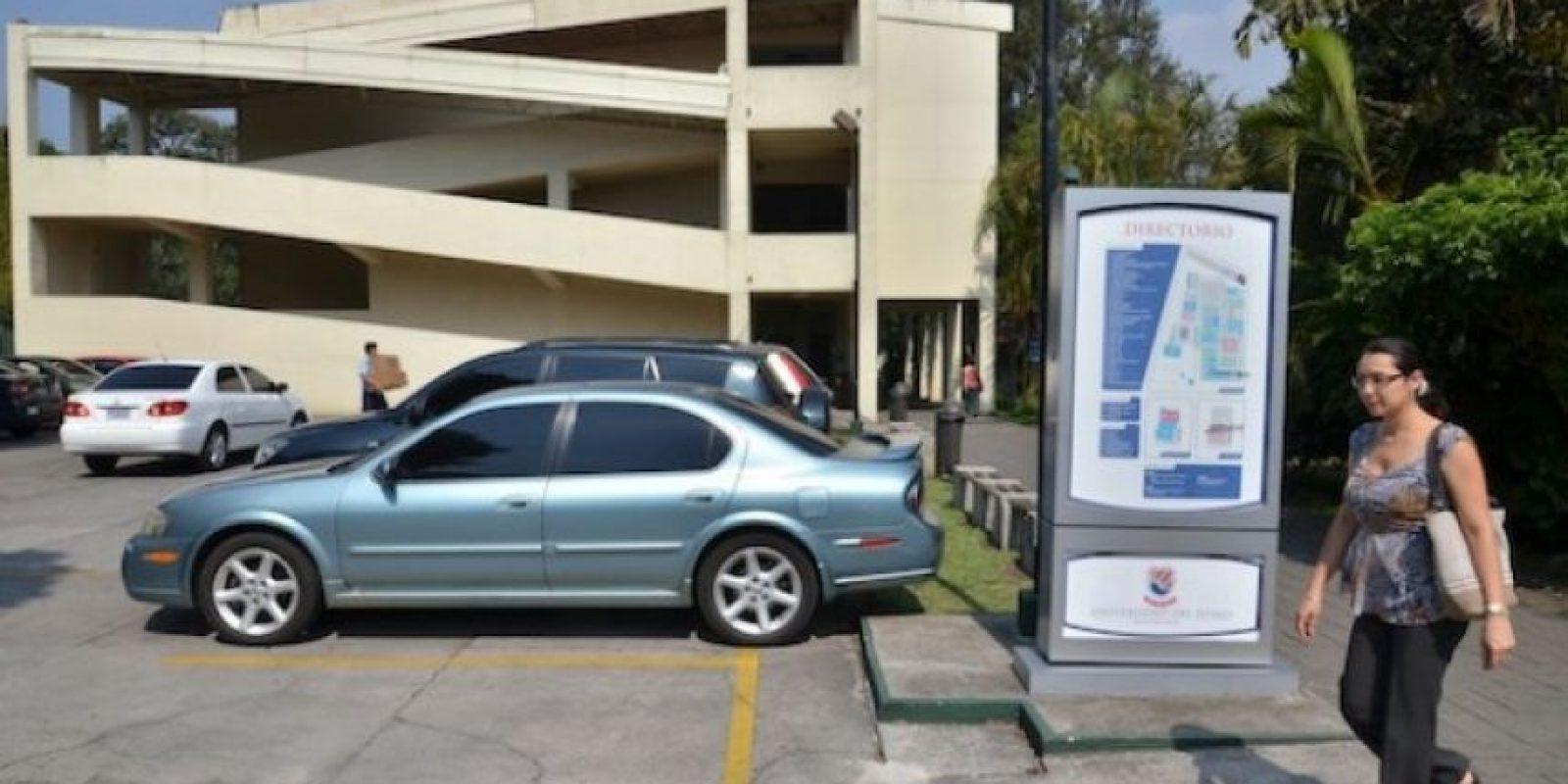Estacionamiento del campus Central, 7a. avenida, 3-67, zona 13. Foto:Juan José López Torres