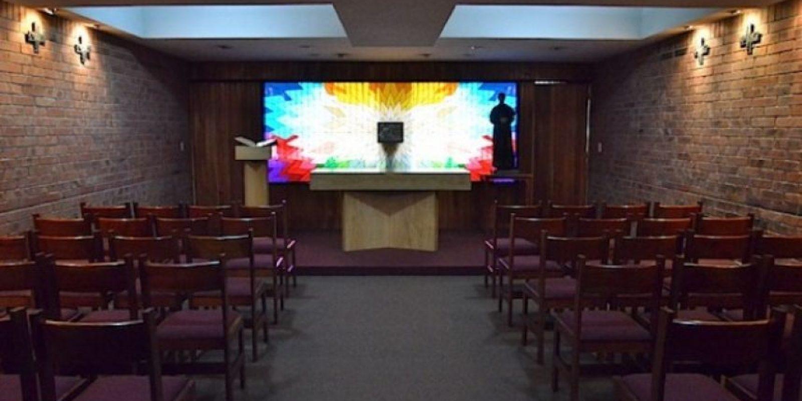 La capilla está disponible para quienes buscan un momento de paz. Foto:Juan José López Torres