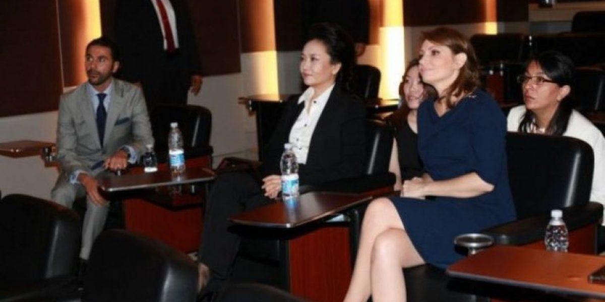 VIDEO. Angélica Rivera de gira por Televisa con la primera dama China