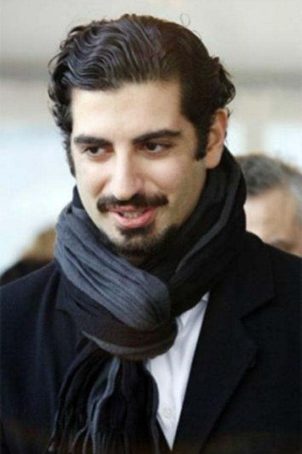 Fahd Hariri (32 años) Fahd Hariri (32 años) El hijo menor del Primer Ministro libanés, Rafik Hariri, quien fue asesinado en un ataque terrorista en 2005. Su fortuna está valuada en US$1,3 mil millones.