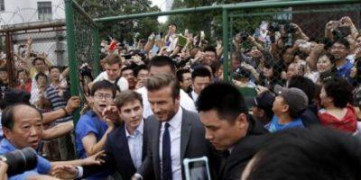 VIDEO. La locura por ver a Beckham acaba con cinco heridos en China