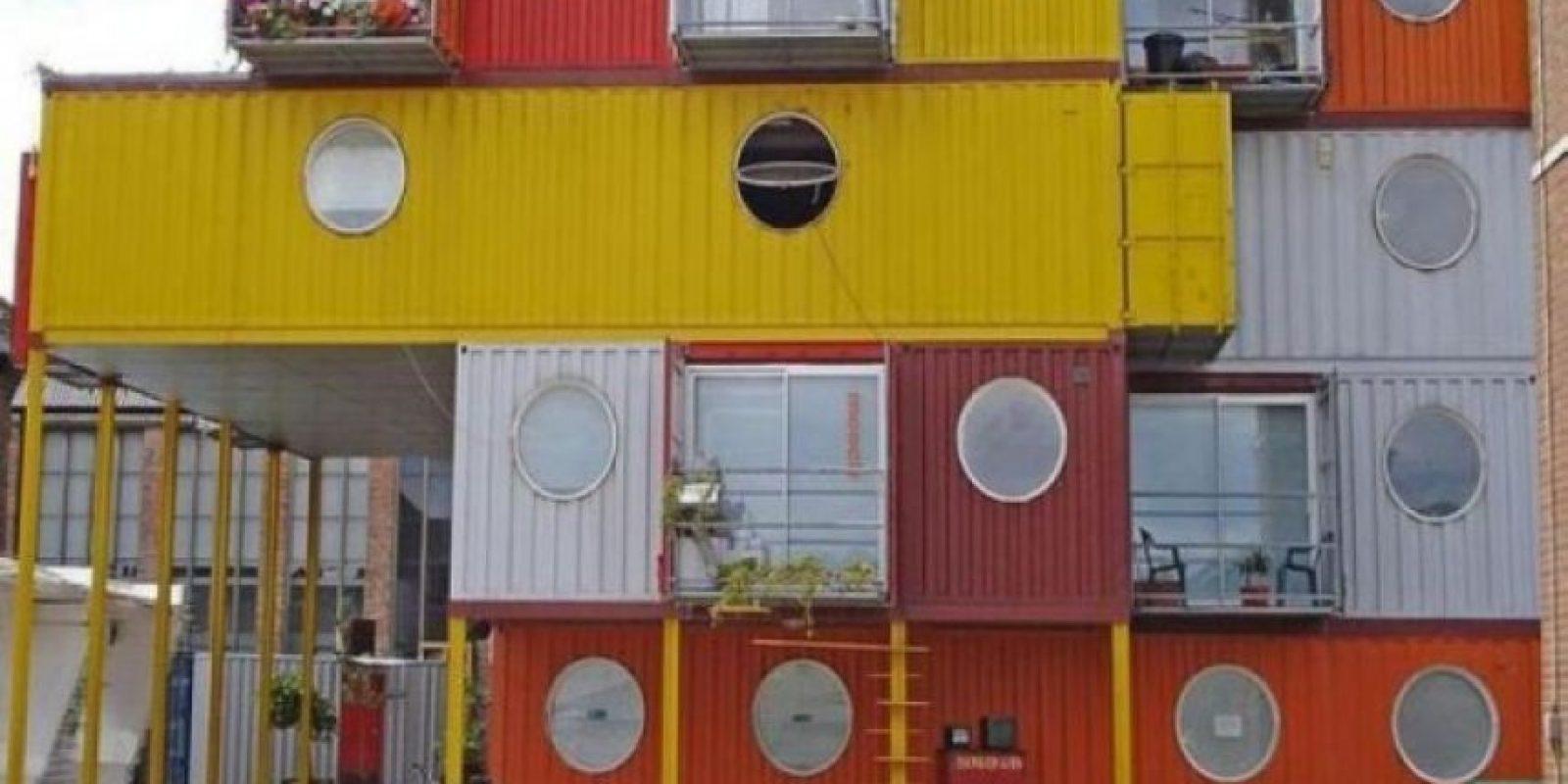 Hace unos años Eric Reynolds decidió reformar la zona portuaria de Trinity Buoy Wharf, al este de Londres, y para ello reutilizó los contenedores de los barcos de carga del puerto.