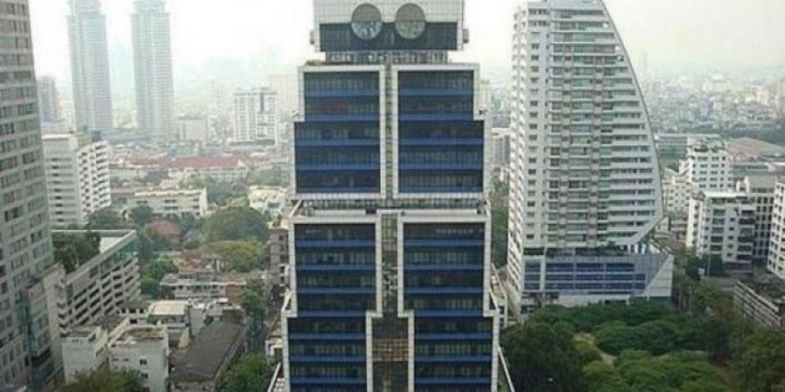 En la zona financiera de Bangkok, en Tailandia, se encuentra el edificio robot creado por Sumet Jumsai, que se inspiró en los juguetes de su hijo para diseñar la sede del Banco de Asia