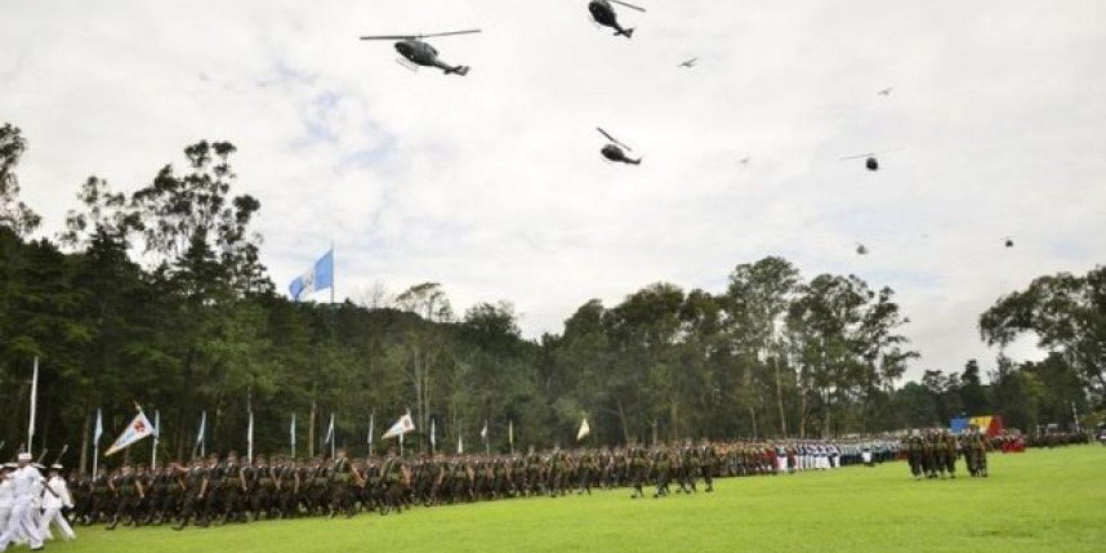 142 años de servicio La conmemoración se realizó en Mariscal Zavala. El aún titular de la Defensa, Ulises Anzueto, ascendió a seis militares al grado de generales. Las tropas marcharon y realizaron distintas demostraciones.