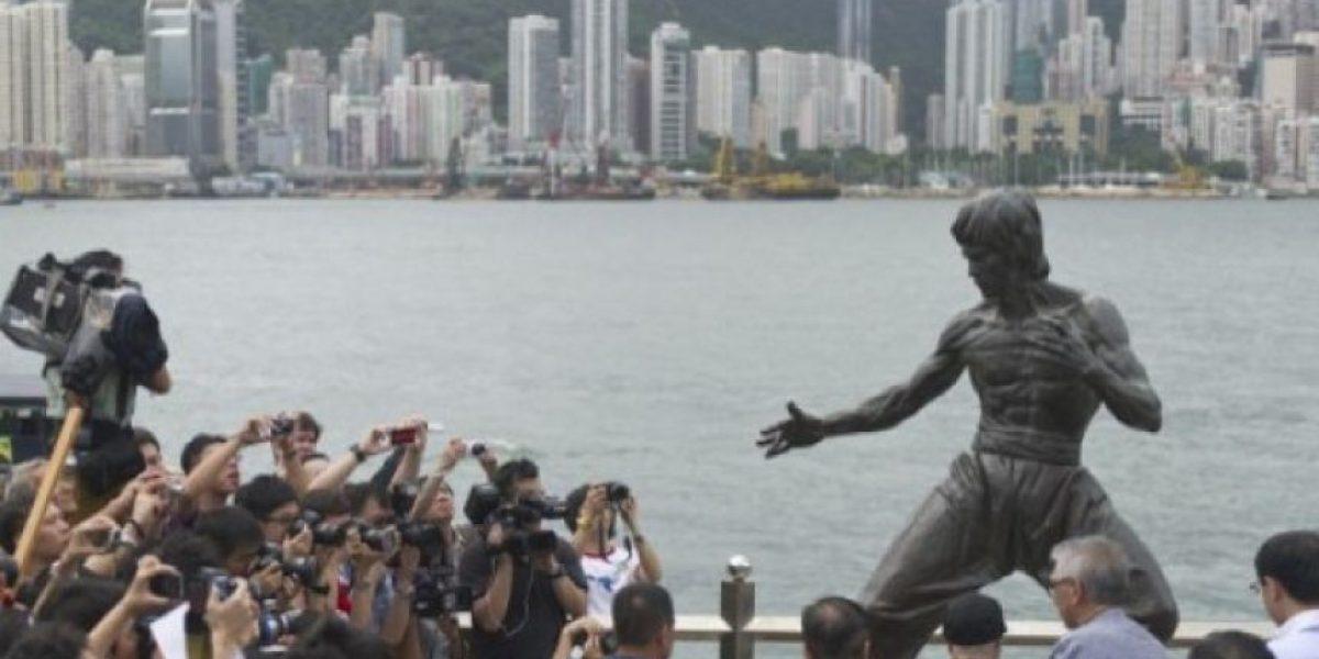Fans de Bruce Lee lo recuerdan 40 años después de su muerte