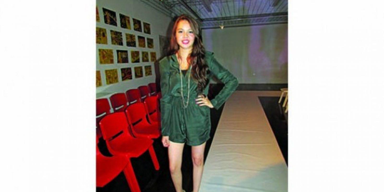 """Lourdes, 18 años """"Tengo un look más fashion. Siempre trato de lucir a la moda y que los colores combinen"""". OCUPACIÓN: ESTUDIANTE DE COMUNICACIÓN"""
