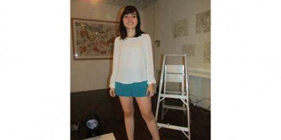 """Larissa del Pozo, 19 años """"No tengo problema de usar atuendos chic y casuales. Para mí, los colores deben ser simples"""". OCUPACIÓN: ESTUDIANTE DISEÑO DE MODAS"""