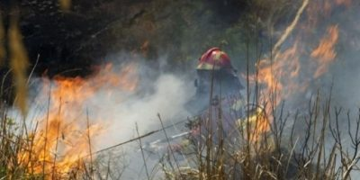 Evacúan a unas 700 personas por incendio en la isla de Mallorca