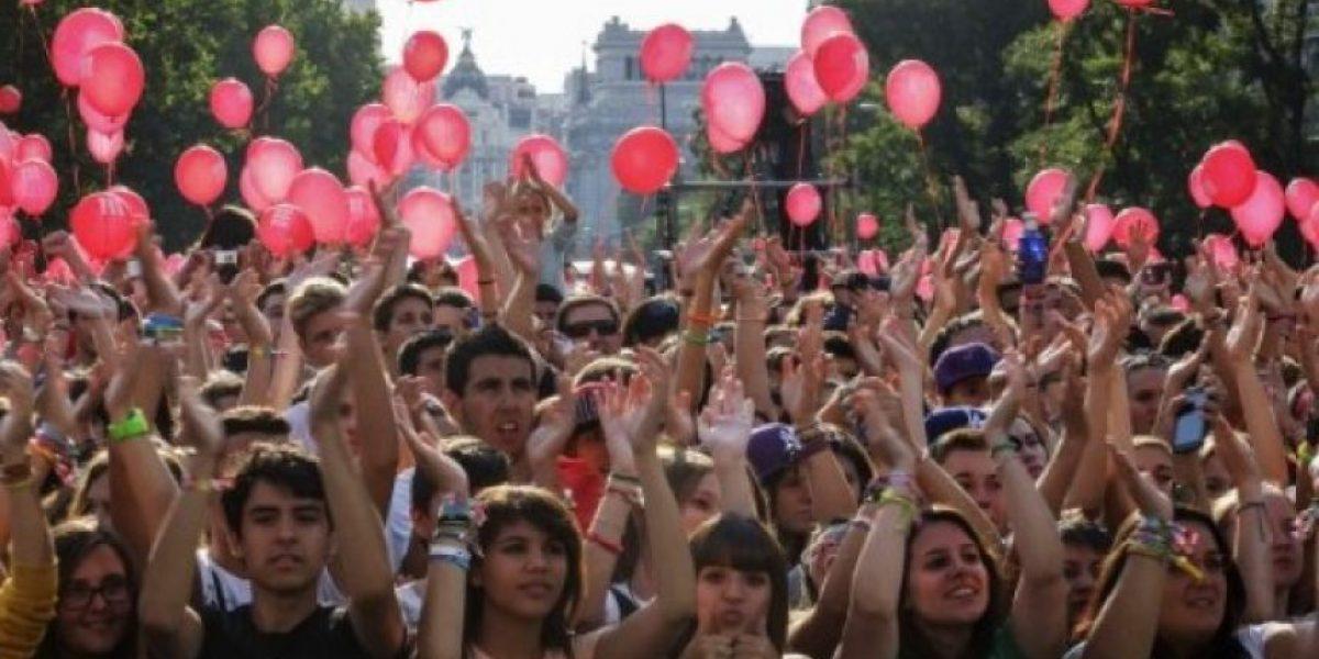 Miles de personas se reúnen en Madrid para seguir la decisión del COI