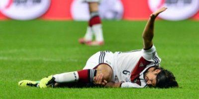 Khedira sufrió grave lesión en amistoso contra Italia