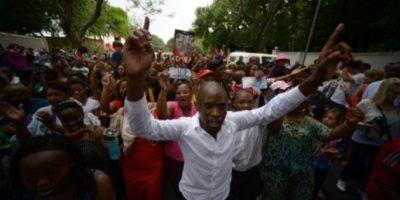 FOTOS: Sudáfrica se une en oraciones y cantos por Nelson Mandela