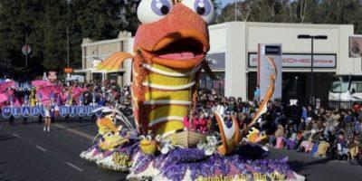 FOTOS. El Desfile de las Rosas coloreó el Año Nuevo