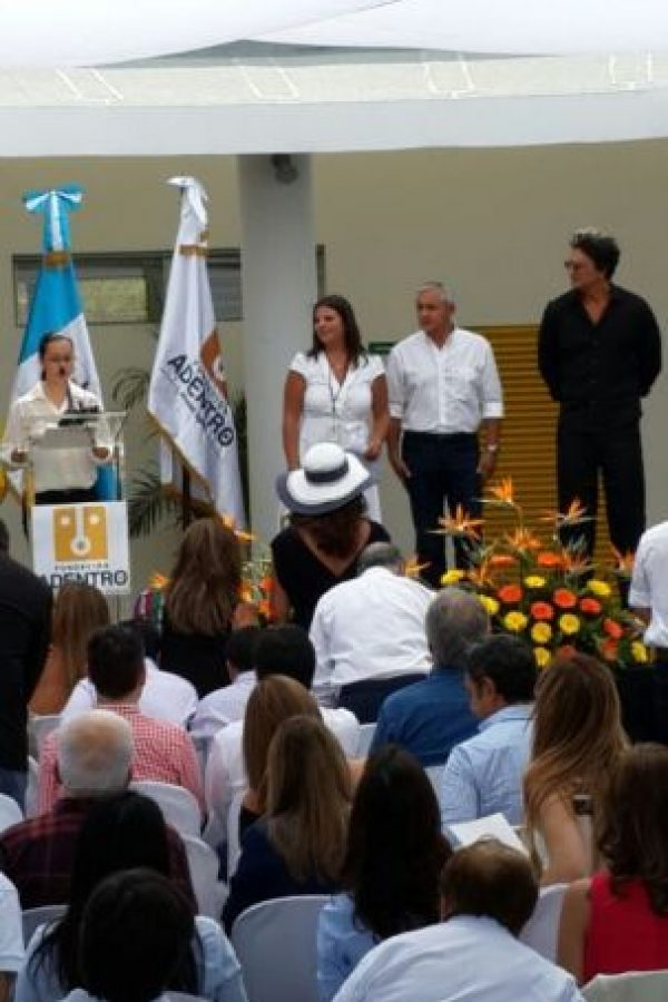 El presidente de Guatemala, Otto Pérez, participa en la inauguración. Foto:Pedro Orozco