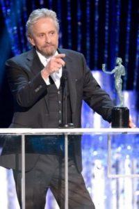 Mejor actor en película televisiva o miniserie: Michael Douglas,