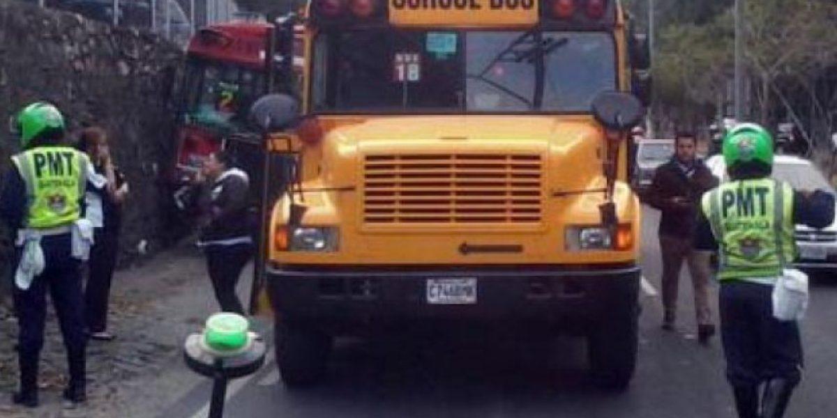 Buses causan un muerto y siete heridos en zonas 15 y 1