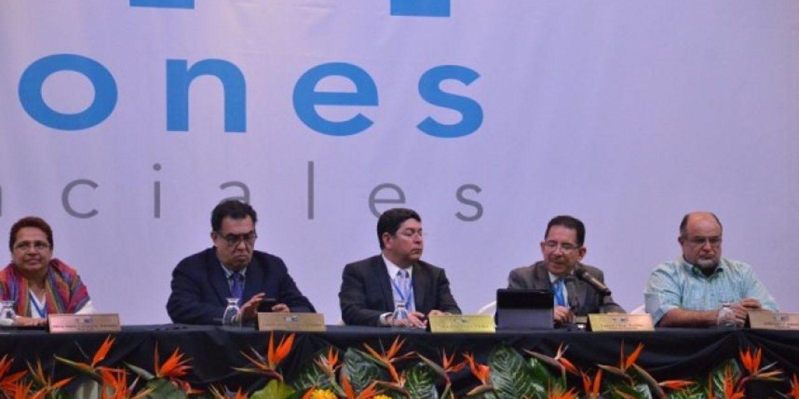 El Salvador elegirá a su presidente en segunda vuelta, de acuerdo con el candidato de izquierda, Salvador Sánchez Cerén. El TSE se abstuvo de referirse a ello. Foto:Juan José López Torres